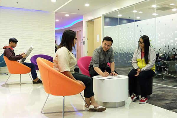 Uptown Tower 2 Serviced Office - 2